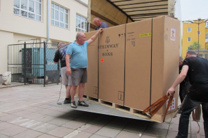 Delivery of STEINWAY&SONS model D - 274